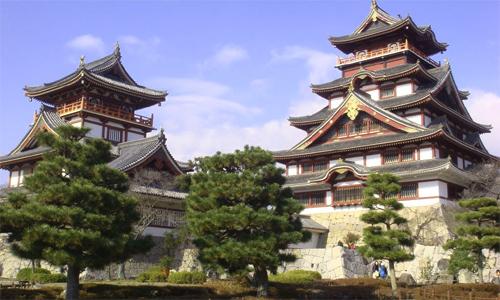 Fushimi Castle (Momoyama Castle), Kyoto (see Azuchi-Momoyama period)