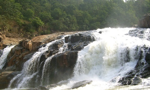 Putudi Waterfalls