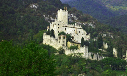 Sabbionara Castle, Avio